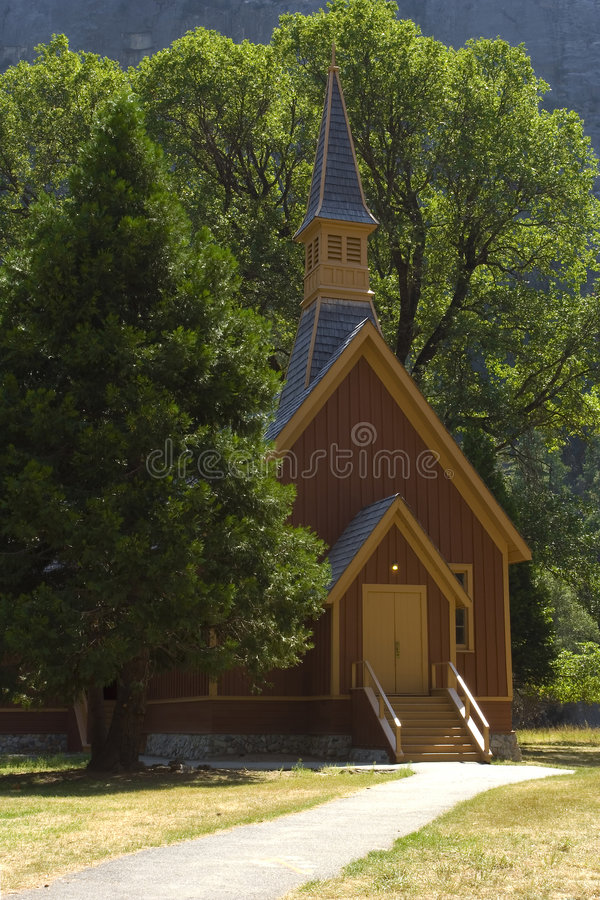 Download церковь yosemite стоковое изображение. изображение насчитывающей заповедник - 6852593