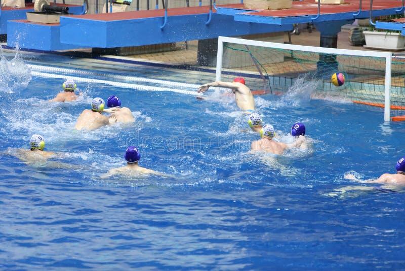 Цель в спичке на водном поло олимпийских спорт сложных стоковая фотография