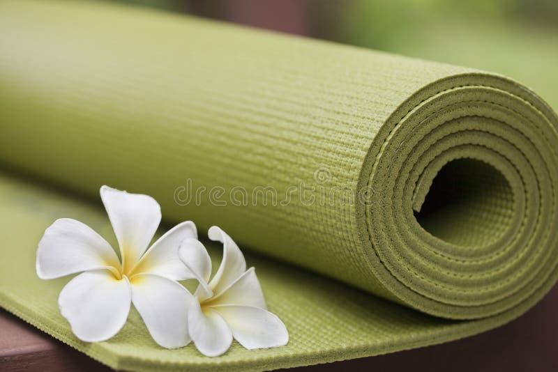 Циновка йоги стоковая фотография rf