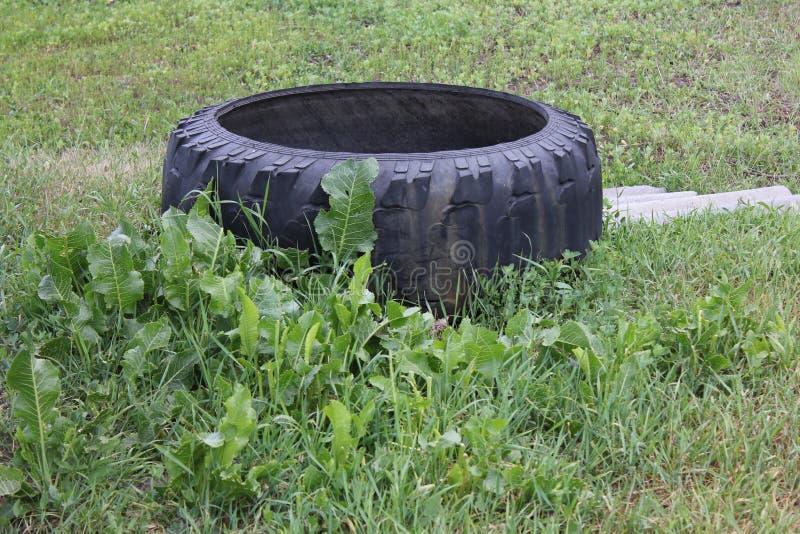 Цистерна с водой от автошины автомобиля 30737 стоковое изображение rf