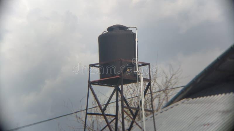 Цистерна с водой стоковая фотография rf