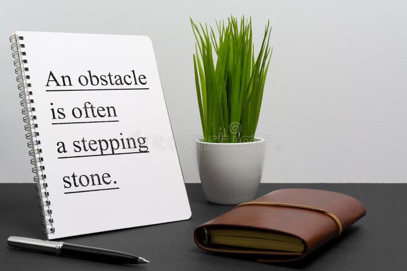 Цитата вдохновляющего и мотивации жизни и дела на блокноте стоковая фотография rf