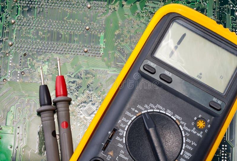 цифровой вольтамперомметр стоковые фото