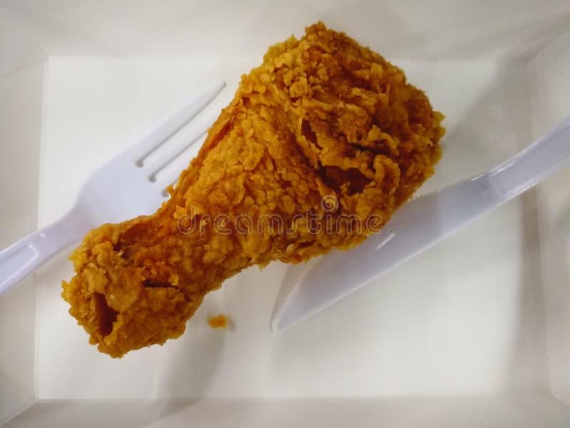 цыпленок зажарил ногу стоковые изображения