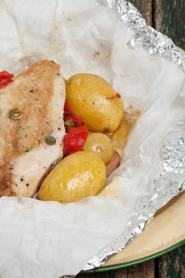 Цыпленок сваренный в сумке стоковые изображения rf