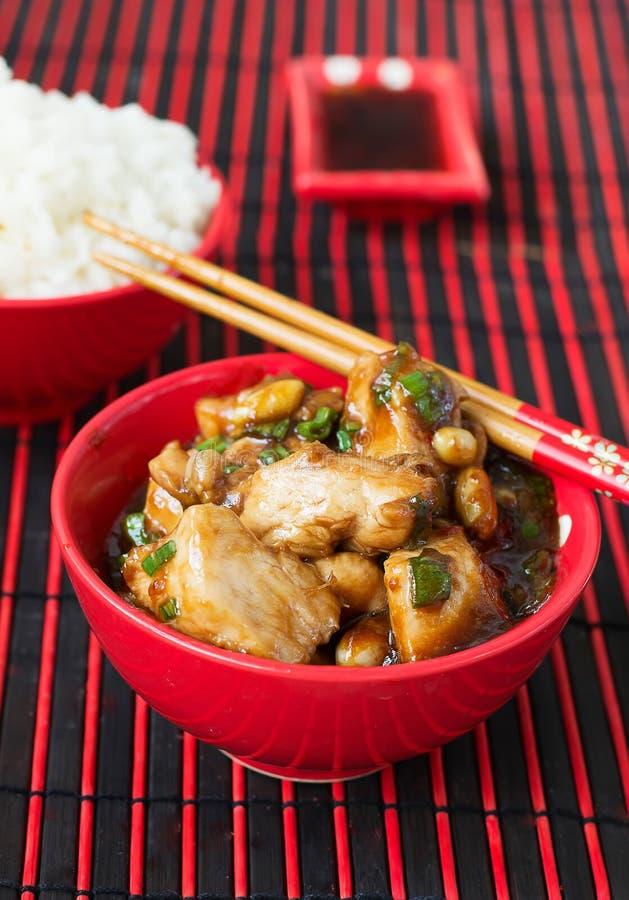 Цыпленок Kung Pao - блюда традиционного китайския стоковое изображение