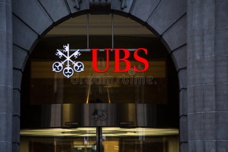 ЦЮРИХ, ШВЕЙЦАРИЯ UBS, ` s самый большой b Швейцарии стоковое фото rf