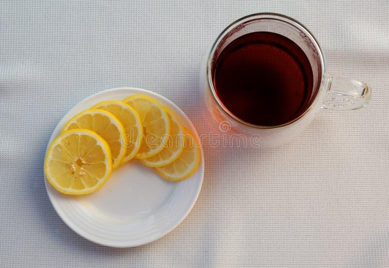 Чай и лимон стоковое изображение rf