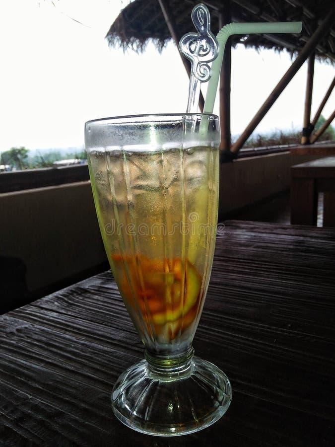 Чай и стекла лимона стоковое фото