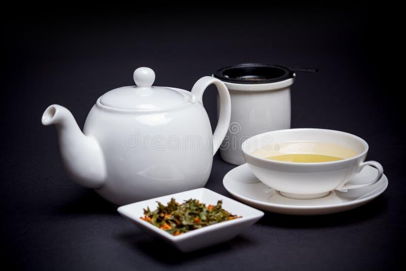 Чай с зажаренным в духовке рисом стоковые изображения