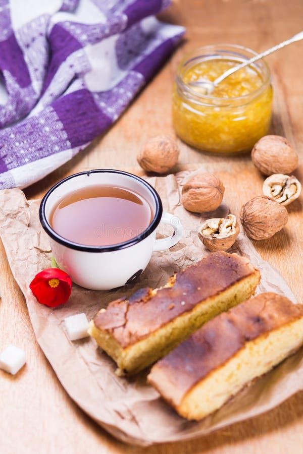 Чай с тортом стоковое изображение