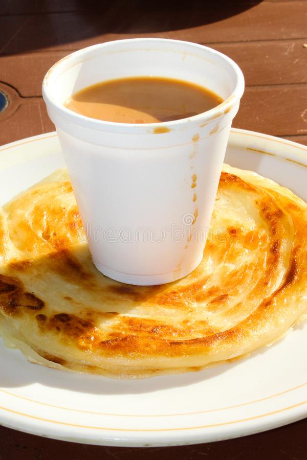 Чай с Paratha стоковое изображение