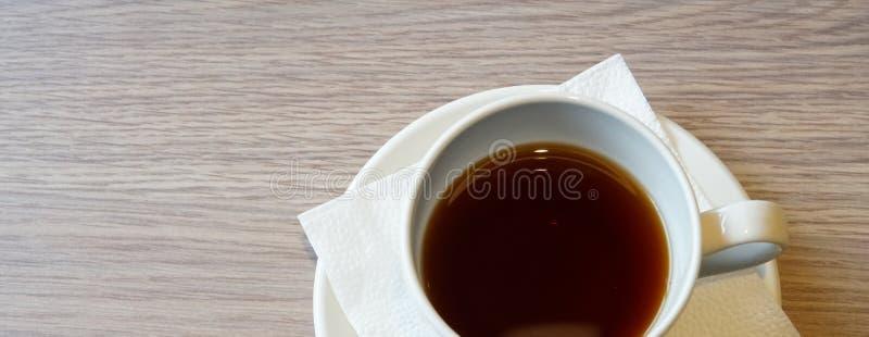 чай таблицы студии съемки чашки стоковое изображение