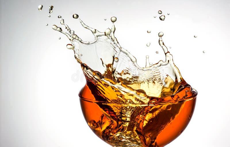 Чай льда. Выплеск в стекле стоковое изображение