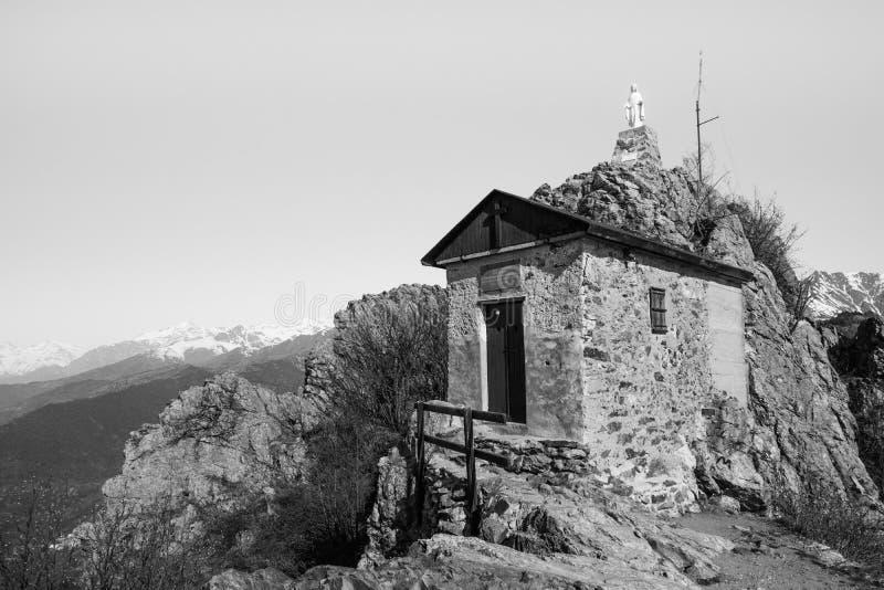 Часовня горы в val di susa Пьемонте Италии стоковая фотография rf