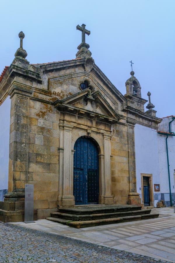 Часовня Santa Cruz, в Miranda делает Дуэро стоковая фотография rf
