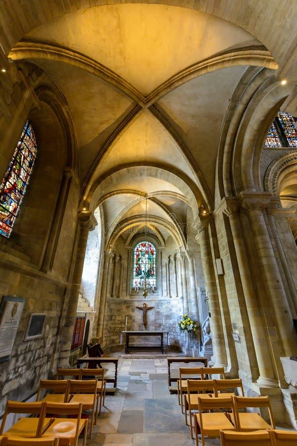 Часовня St. George аббатства Romsey и северное междурядье клироса стоковая фотография rf