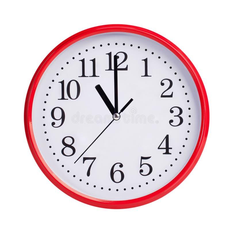 11 часов на круглой шкале стоковое изображение