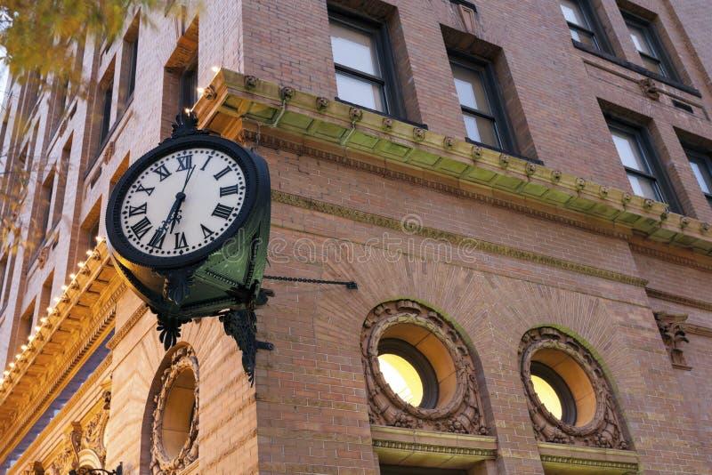 Часов центр города внутри Норфолка стоковое фото