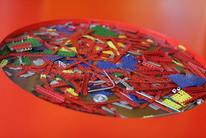 Download Части винтажного комплекта конструкции Стоковое Фото - изображение насчитывающей детство, цветы: 41659662