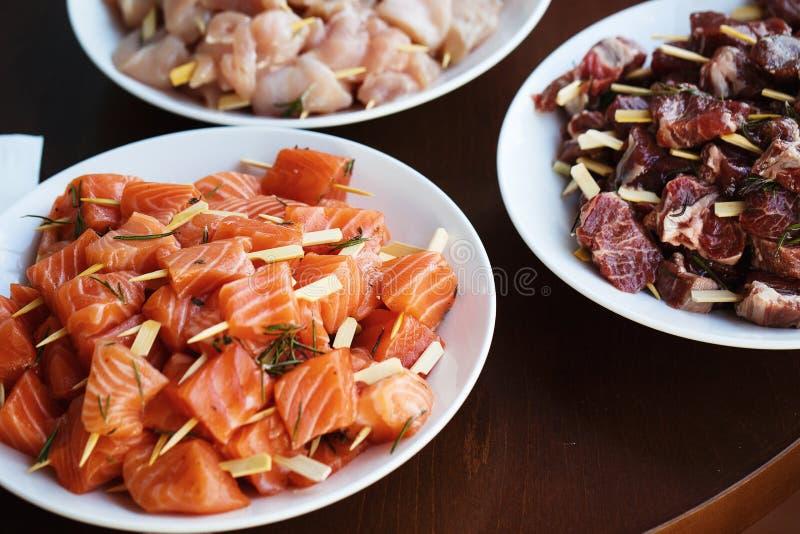 Части свежих рыб и мяса стоковая фотография