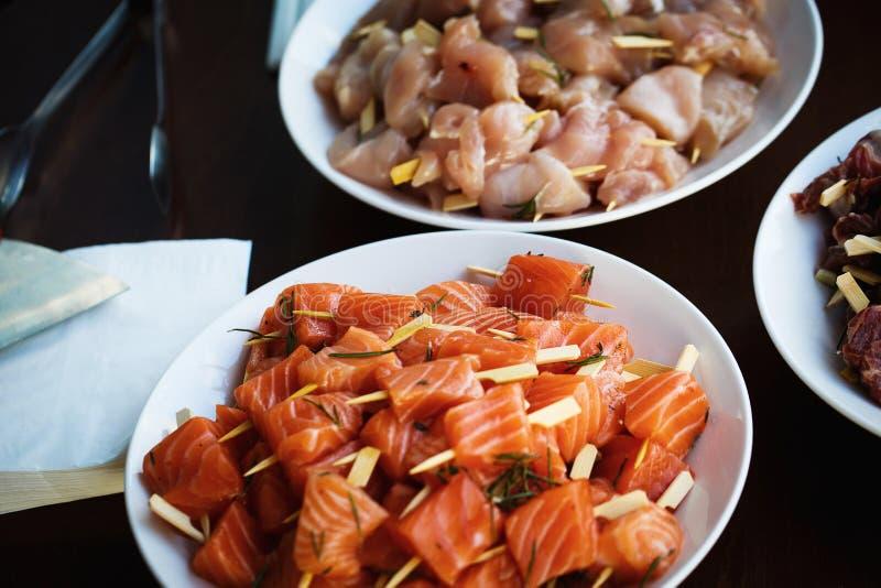 Части свежих рыб и мяса стоковое изображение rf