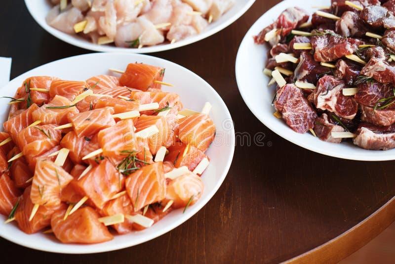 Части свежих рыб и мяса стоковые фотографии rf