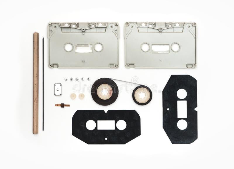 Части сетноой-аналогов кассеты на белой предпосылке стоковая фотография rf