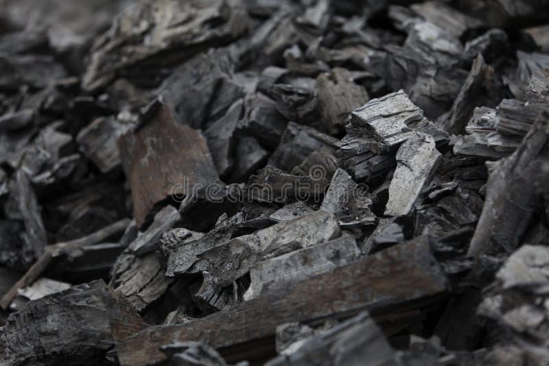 Части угля и, который сгорели древесины стоковая фотография
