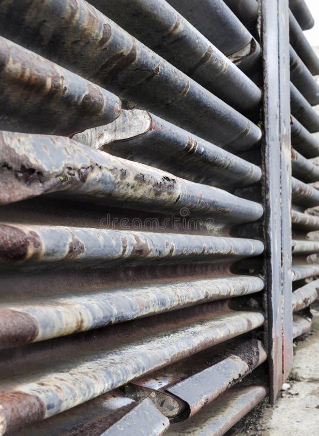 Части uo Cuted потолка старого бункера подводной лодки в st стоковая фотография
