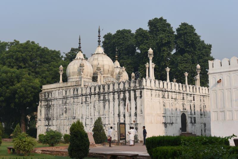 Часть величественного красного форта или Lal Qila в Дели, Индии Это место всемирного наследия стоковое фото