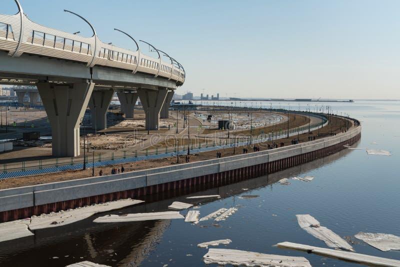 Часть городского пейзажа портового района на Gulf of Finland в Санкт-Петербурге стоковые изображения rf