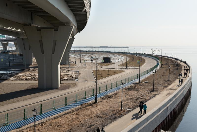 Часть городского пейзажа портового района на Gulf of Finland в Санкт-Петербурге стоковое фото rf