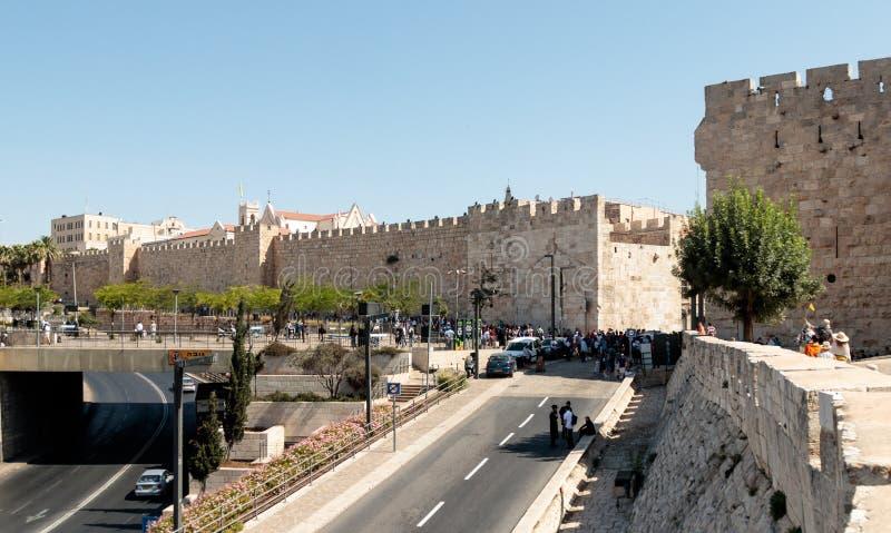 Часть крепостных стен старого строба городка и Яффы в Иерусалиме стоковая фотография