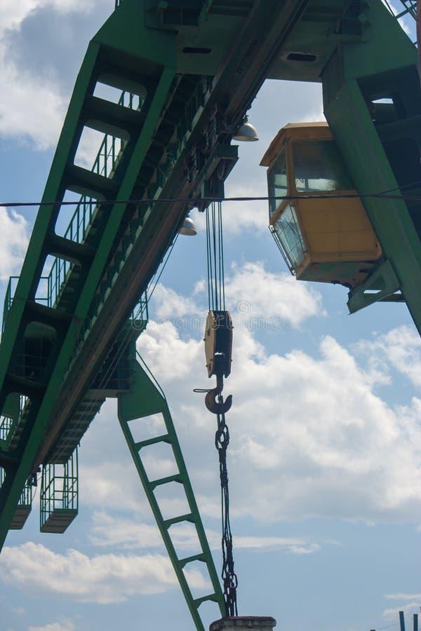Часть мостового крана снята от стоковое изображение rf