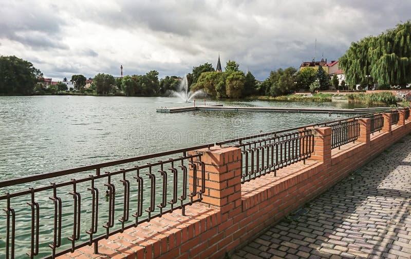 Часть озера замк в городке Walcz, Польши стоковые фотографии rf