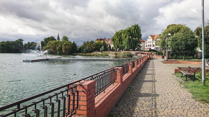 Часть озера замк в городке Walcz, Польши стоковые изображения