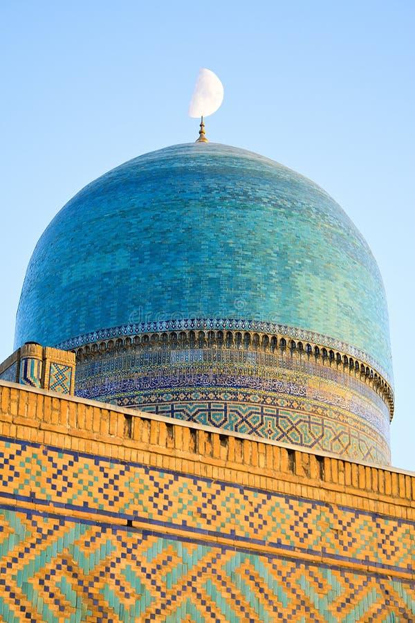 Часть старого мусульманского архитектурного комплекса Bibi-Chanum в Самарканде стоковые изображения