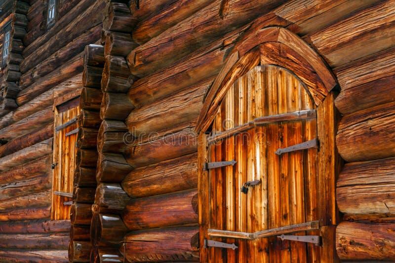 Часть старой деревянной стены стоковые изображения