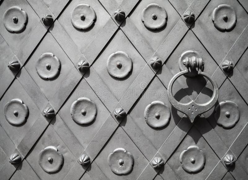 Часть старой текстуры двери металла стоковое фото rf