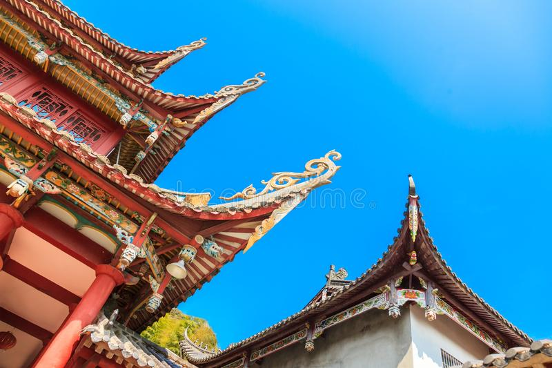 Часть стрех старого стиля китайских в виске стоковое изображение rf