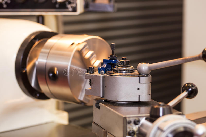 Часть токарного станка механической обработки стоковое фото rf