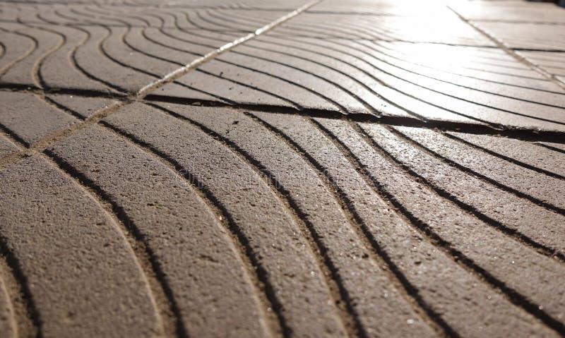 Часть тропы Улица крыла каменную мостовую черепицей Предпосылка для художественного произведения картины дизайна стоковые фотографии rf