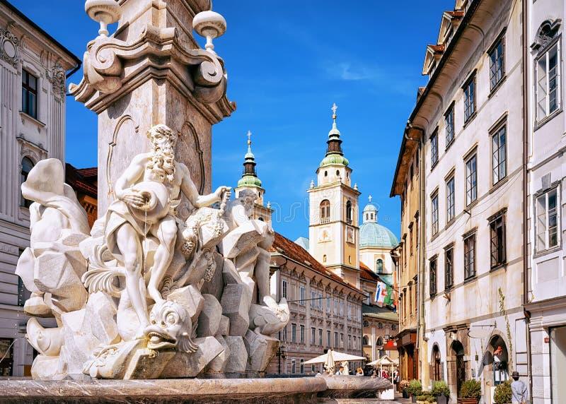 Часть фонтана Robba в Любляне Словении стоковые изображения