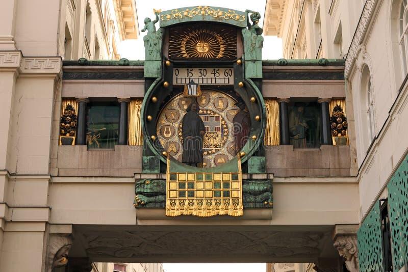 Часы анкера в Вене Hoher Markt стоковое фото