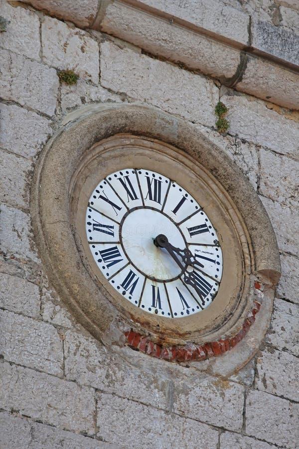 Часы в Gourdon стоковое фото