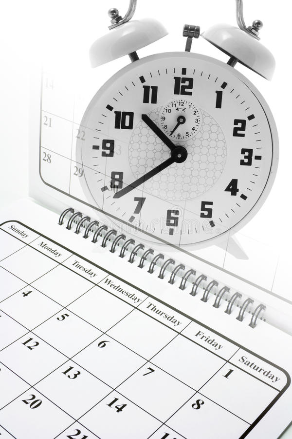 календарь и часики в одной картинке помещении более
