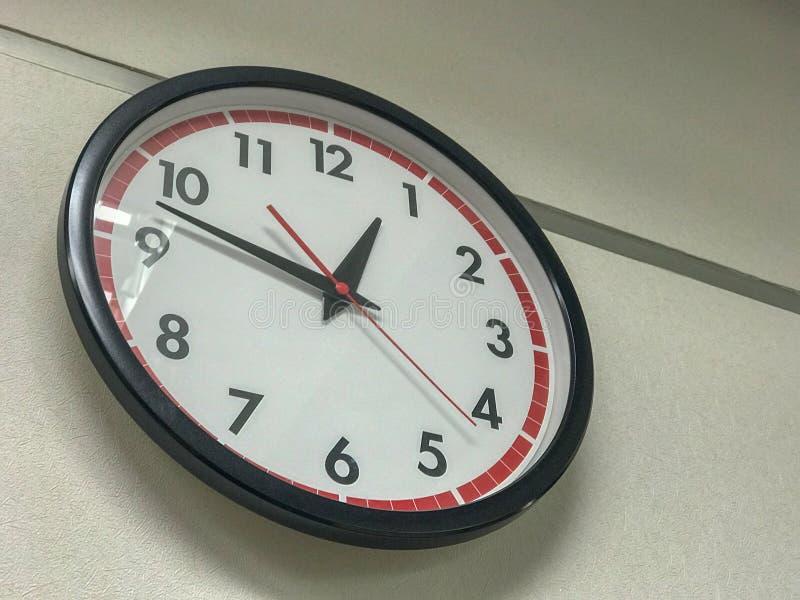 Часы на стене стоковая фотография rf