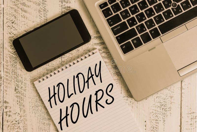 Часы праздника рукописного текста Понятие означает расписание 24 или 7, половина дня сегодня, последняя минута, закрытие ноутбука стоковые фотографии rf