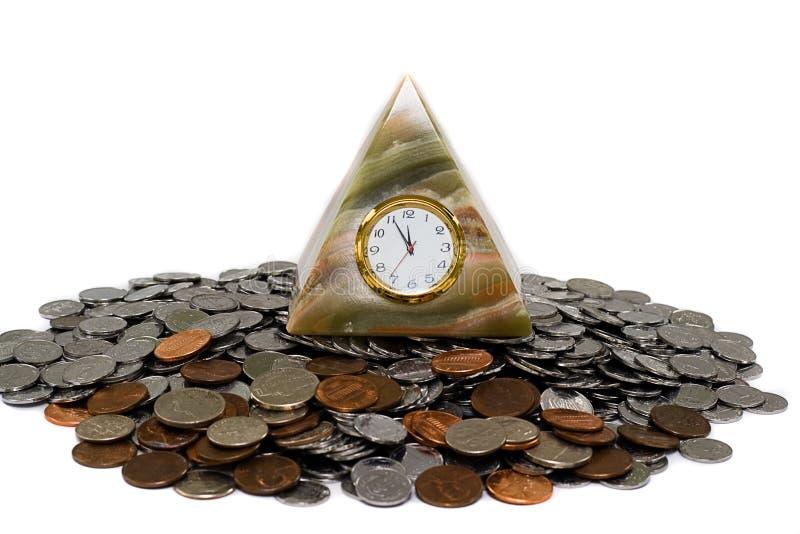 часы чеканят пирамидку стоковое фото rf
